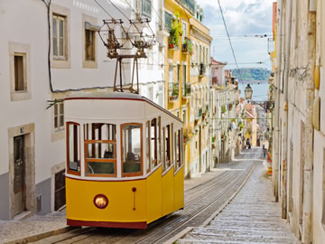 LISBON, A PHOTOGRAPHIC EXPERIENCE