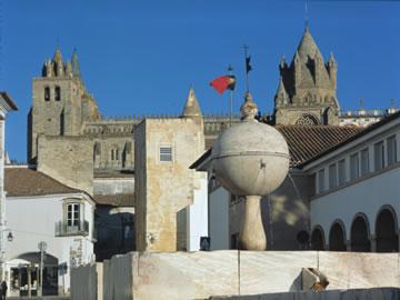 Jewish Portugal | Jewish in Portugal | Jewish in Évora | Alentejo | Fountain | Portas de Moura